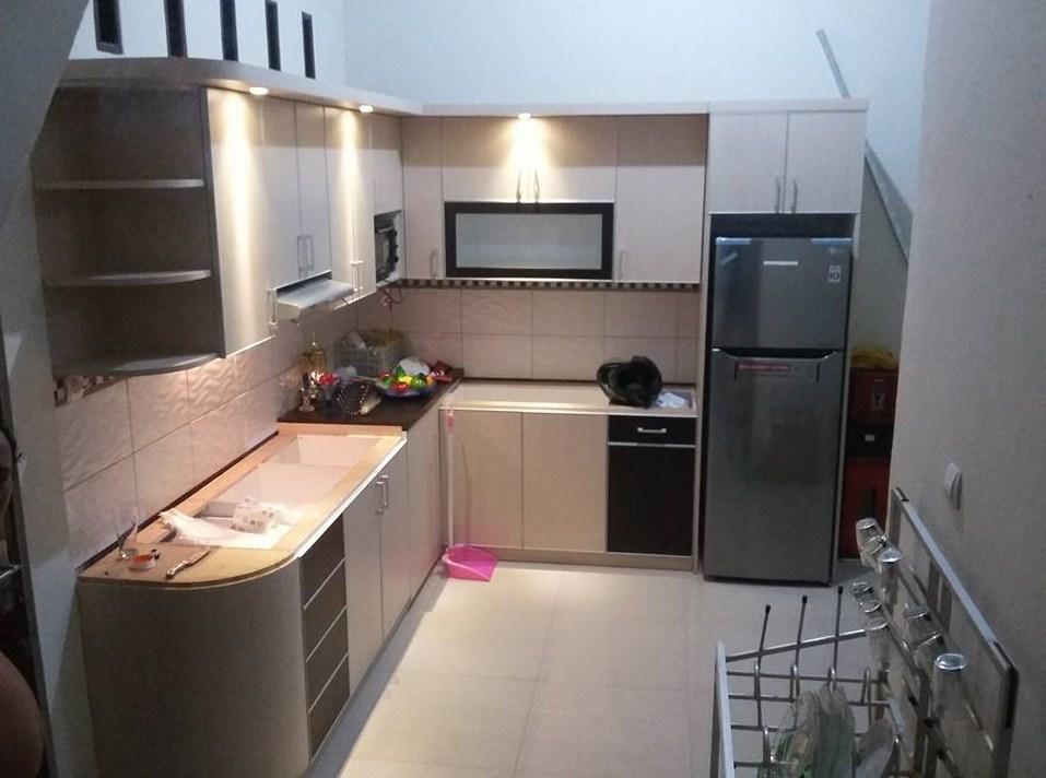 Gambar Desain Kitchen Set Minimalis Menggunakan Downlight